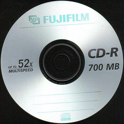 [Attēls: FujiFilm%2052x%20700MB.jpg]